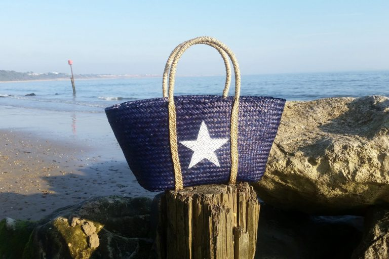 blue seagrass shopper beach big with white star