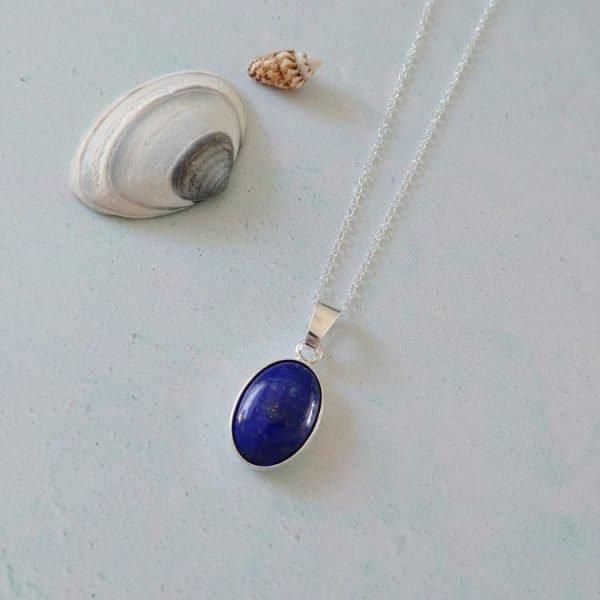 moonlight_gemstone_necklace_2