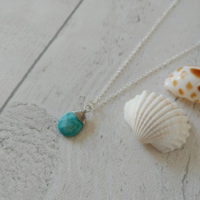 sandy_toes_necklace