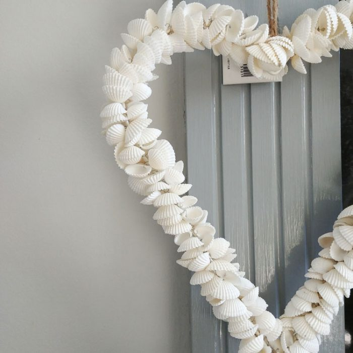 Gisela Graham white heart shell wreath