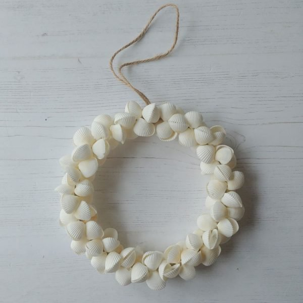white clam shell wreath