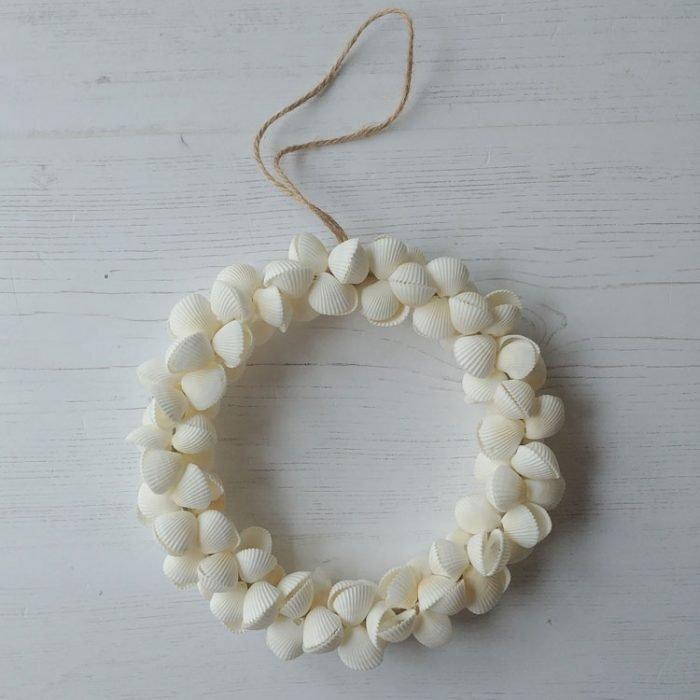 white clam shell wreath