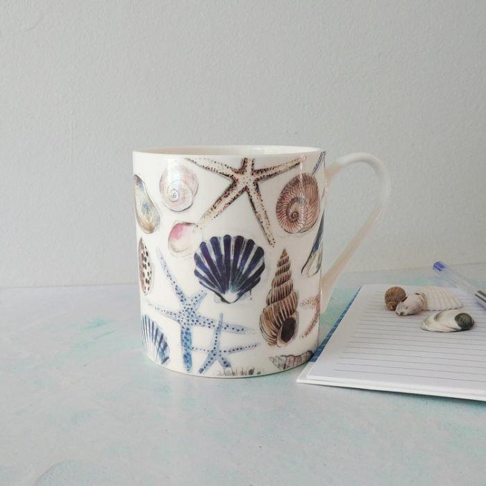 Seashell ceramic mug from Gisela Graham