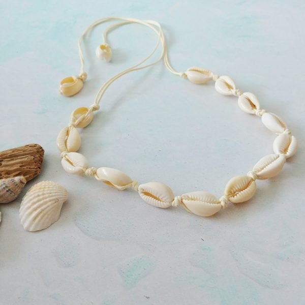 natural tie chord cowrie shell necklace