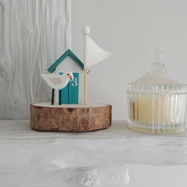 seagull and beach hut wooden decoration