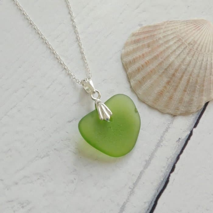 green heart seaglass pendant necklace