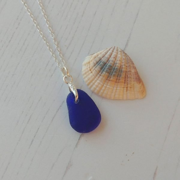 deep blue seaglass pendant necklace