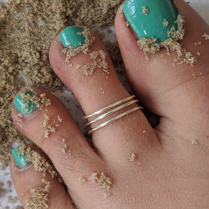 summer toe ring