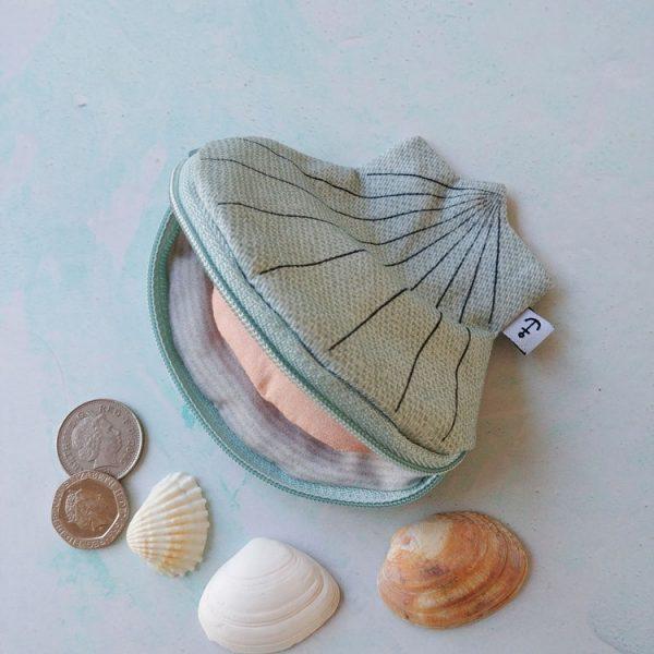 oyster aqua purse